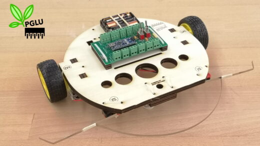 Produktbild Arduino Roboter mit Chassis aus nachhaltigem Oekoplan Sperrholz